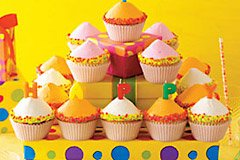 happy-birthday-cupcakes-240